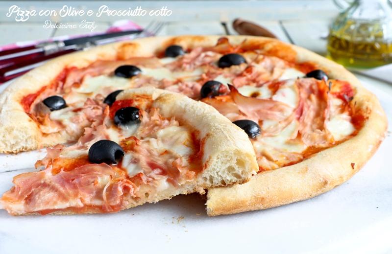 Pizza con Prosciutto cotto e Olive