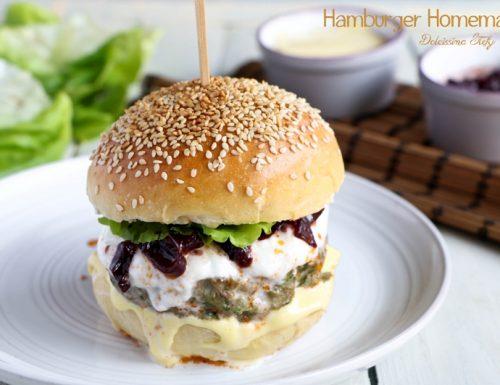 Hamburger fatto in casa con Manzo, Cipolle stufate e Mozzarella