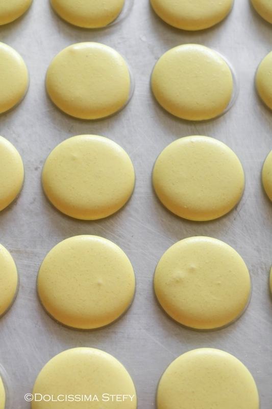Macaron al Limone con Cioccolato bianco e Arancia
