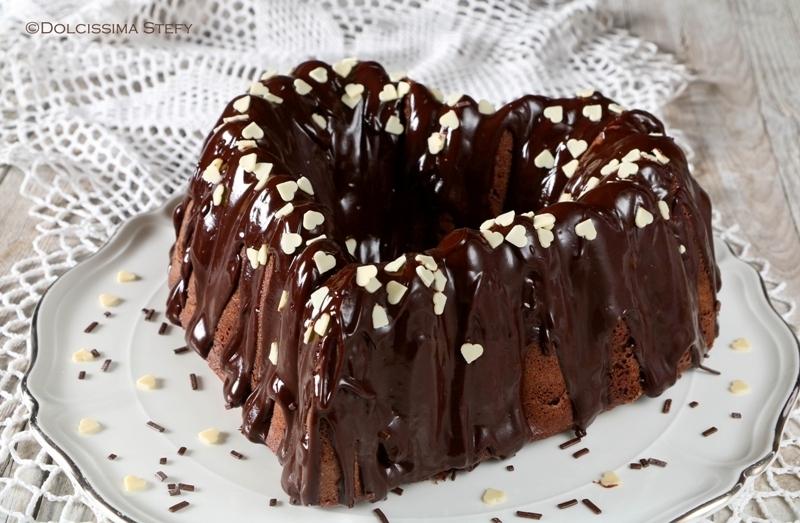 Torta di san valentino con ganache al cioccolato