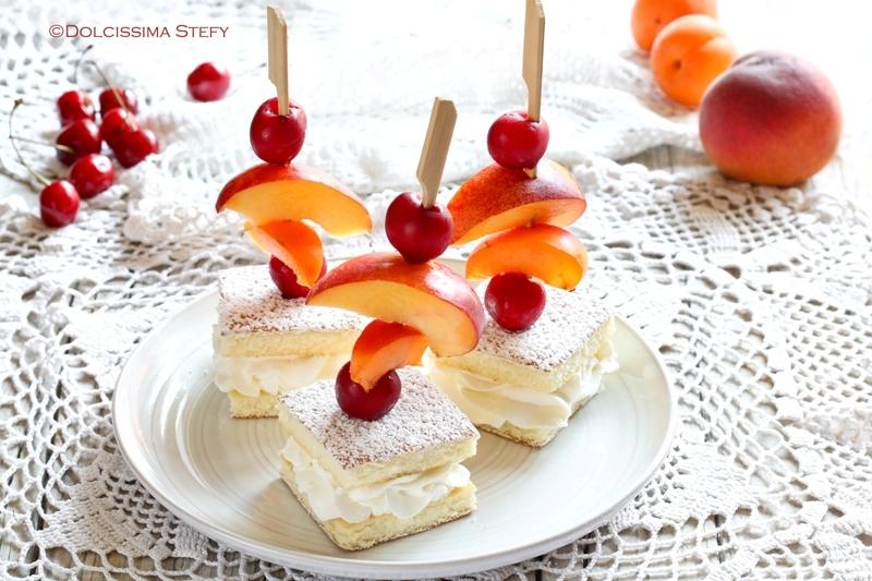 Spiedini di Torta e Frutta