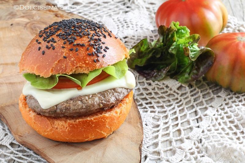 Hamburger di Chianina con formaggio filante di Dolcissima Stefy