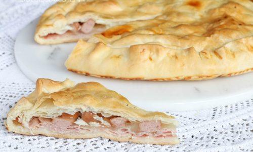 Torta salata con Wurstel, Mozzarella e Prosciutto