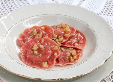 Tortelli rossi con Ricotta e Noci