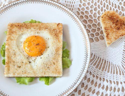 Uova Toast a forma di cuore