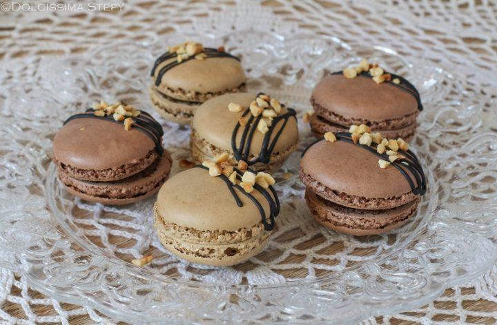 Macarons al Cioccolato e Nocciole