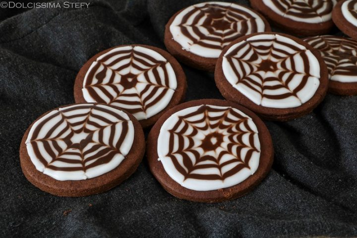 Biscotti ragnatela per Halloween