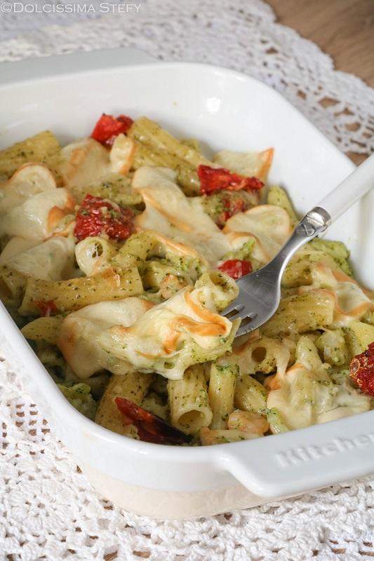 Pasta Broccoli, Pomodori secchi e Provola