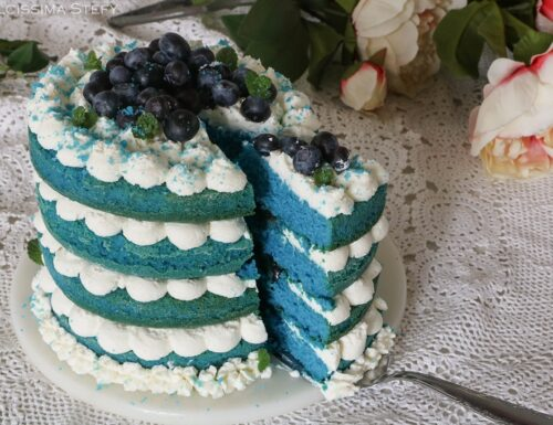 Torta blue velvet ai Mirtilli