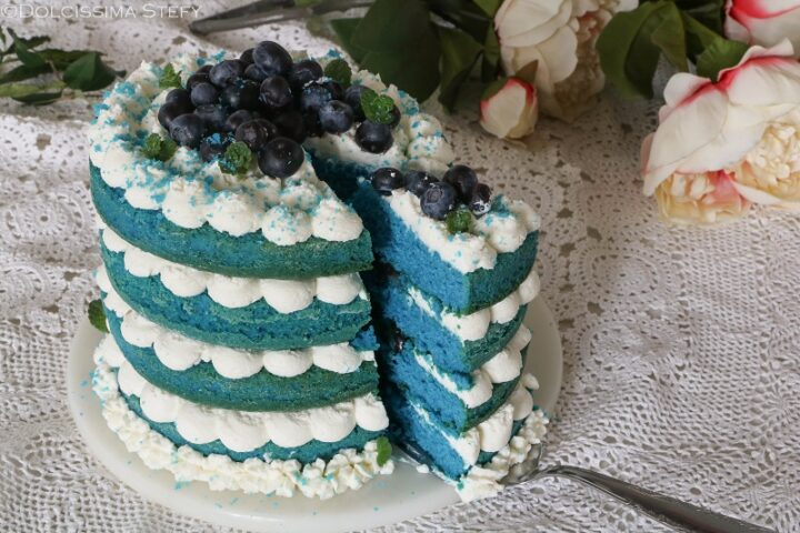 Torta blue velvet ai Mirtilli