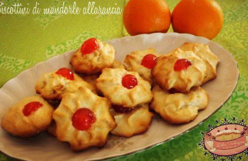 Biscottini di mandorle e arance