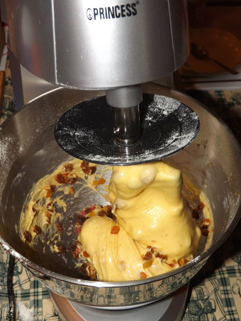 how to serve panettone classico