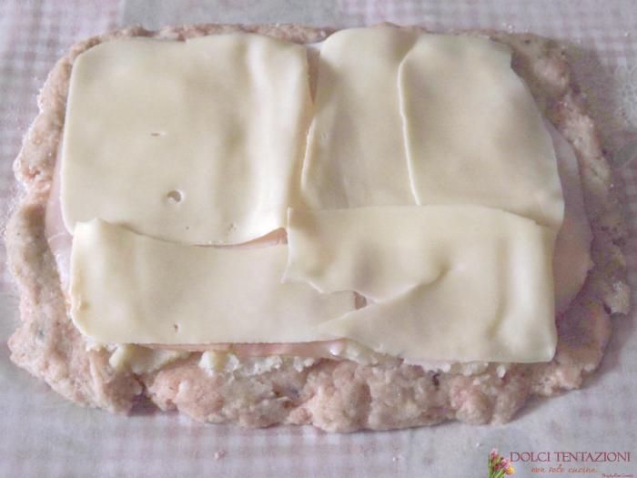polpettone ripieno con patate, prosciutto e fontina