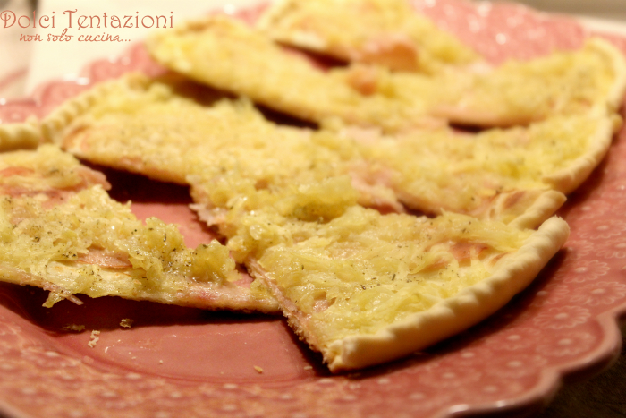 Torta di pasta brisee con patate e prosciutto.articolo