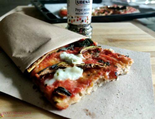 Pizza integrale con verdure grigliate