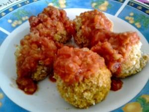 polpette di miglio con salsa di pomodoro