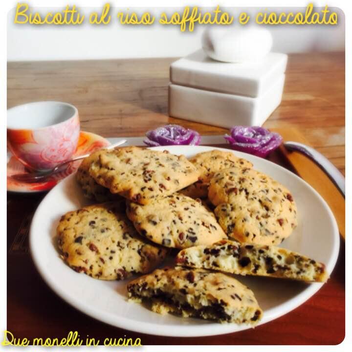 Biscotti al riso soffiato e cioccolato