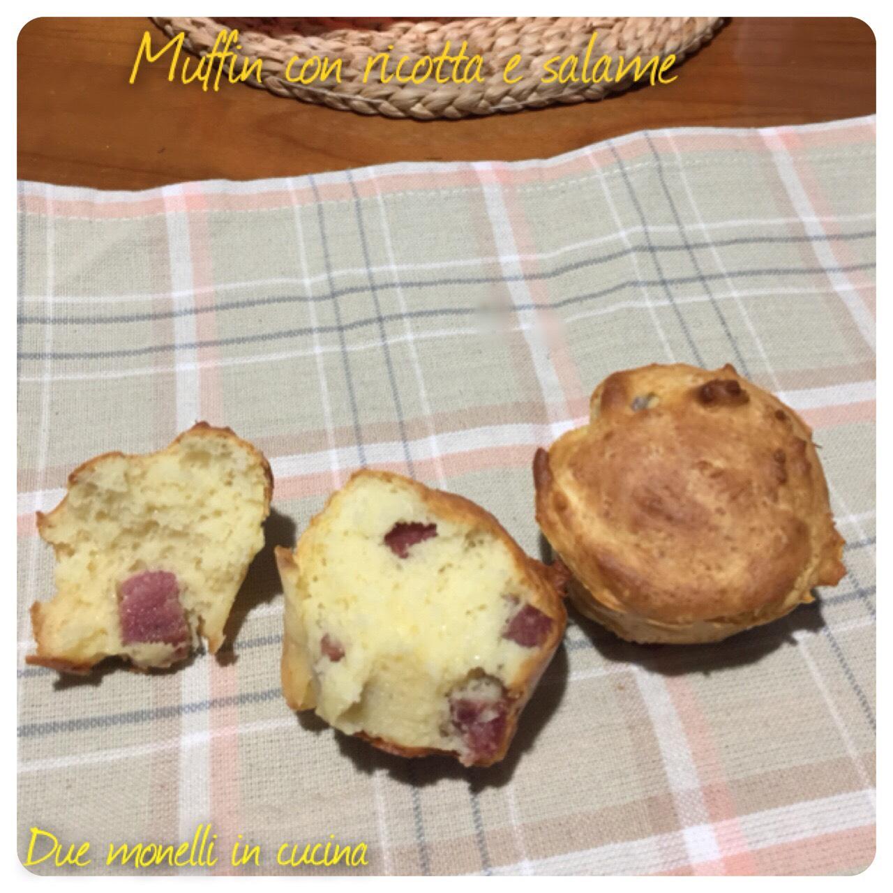 Muffin con ricotta e salame