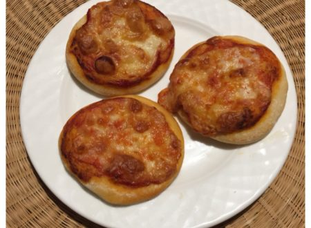 Pizzette con impasto per pizza