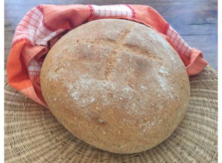 Pane fatto in casa con farina integrale