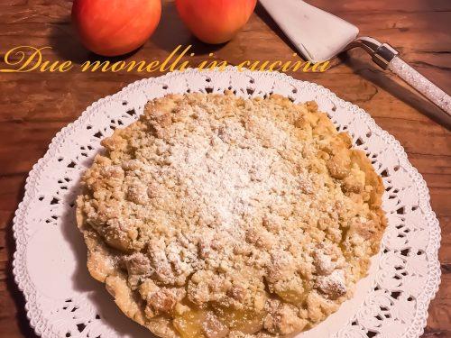 Torta sbriciolata alle mele e crema