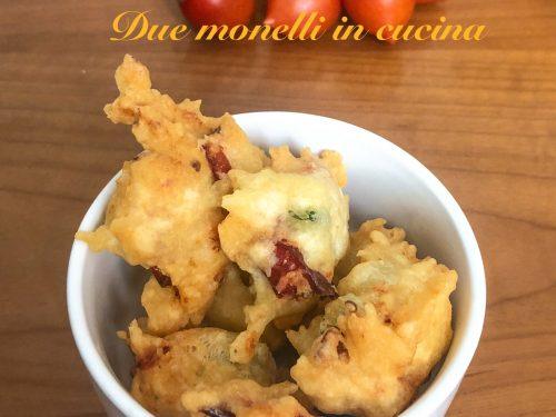 Frittelle con lievito istantaneo ai pomodorini e basilico