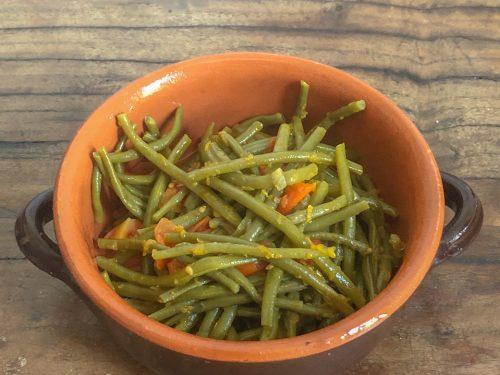 Fagiolini in umido con pomodorini in padella
