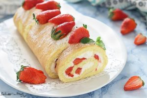 Rotolo con panna e fragole, ricetta Rolade panna e fragole