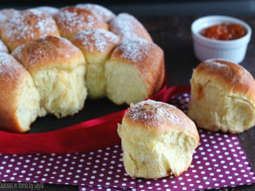 Buchteln: dolce tirolese di pasta lievitata dolce, ricetta Alto Adige