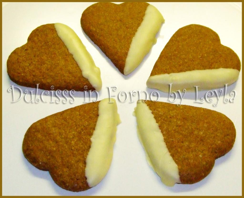 Biscotti di pasta frolla al cacao : biscotti al burro e cacao al cioccolato bianco