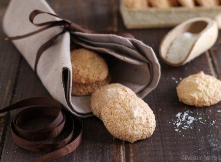 Biscotti al cocco, ricetta biscotti di Natale