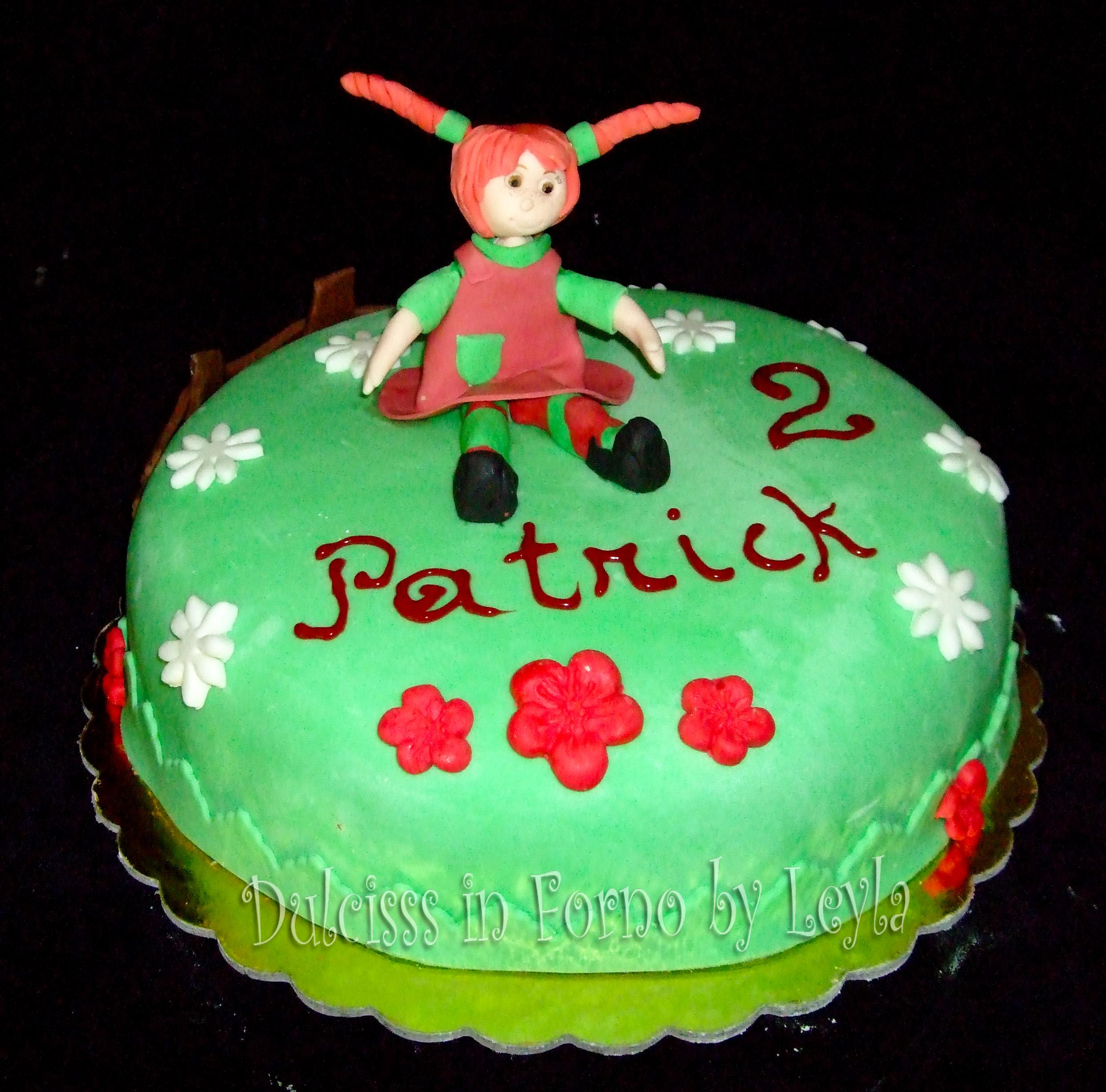 Torta Pippi Calzelunghe decorata in pasta di zucchero