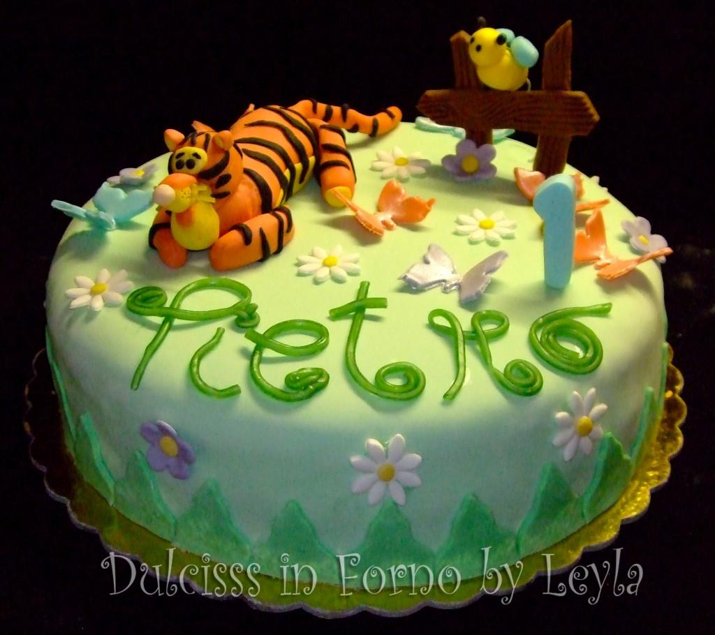 Cake Design Prato : Torta decorata Tigro di Winnie The Pooh pasta di ...