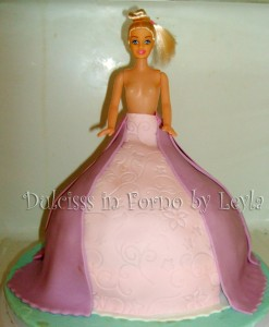 Torta Barbie Principessa | decorata in pasta di zucchero | Dulcisss in forno