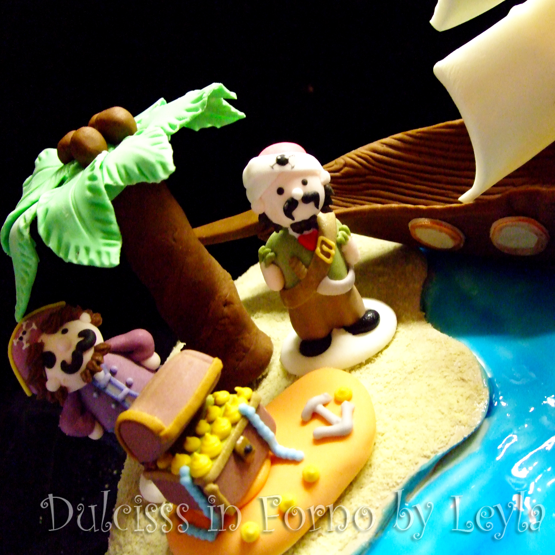 Torta Pirati dei Caraibi, decorata in pasta di zucchero | Dulcisss in forno