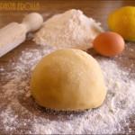 Pasta frolla, ricetta base per biscotti e crostate | pasta frolla biscotti di Natale | Dulcisss in forno |
