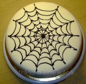 Torta Uomo Ragno – Spiderman Cake, decorata in pasta di zucchero