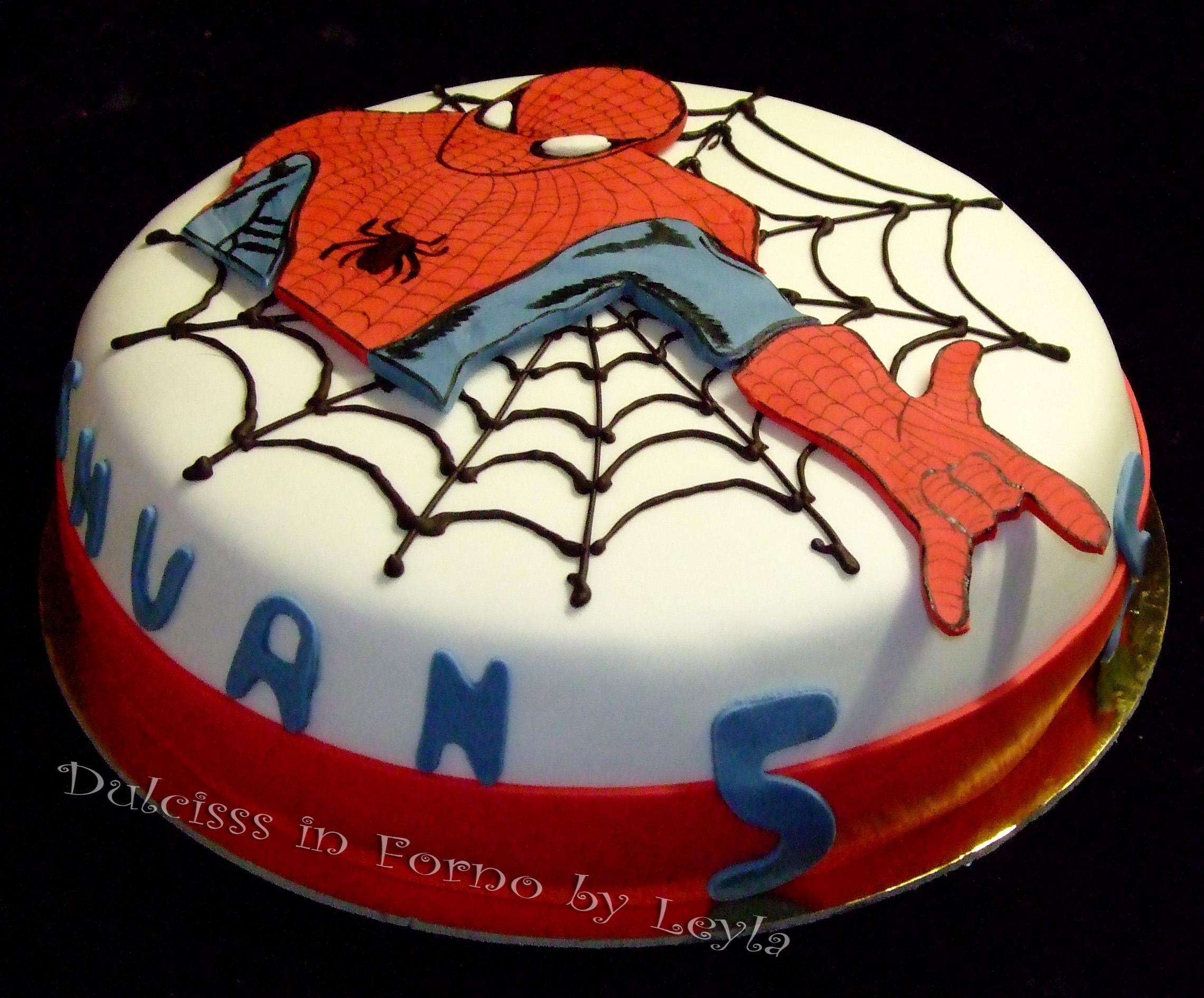 Torta Uomo Ragno - Spiderman Cake, decorata in pasta di ...