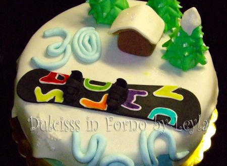 Torta Snowboard, decorata in pasta di zucchero
