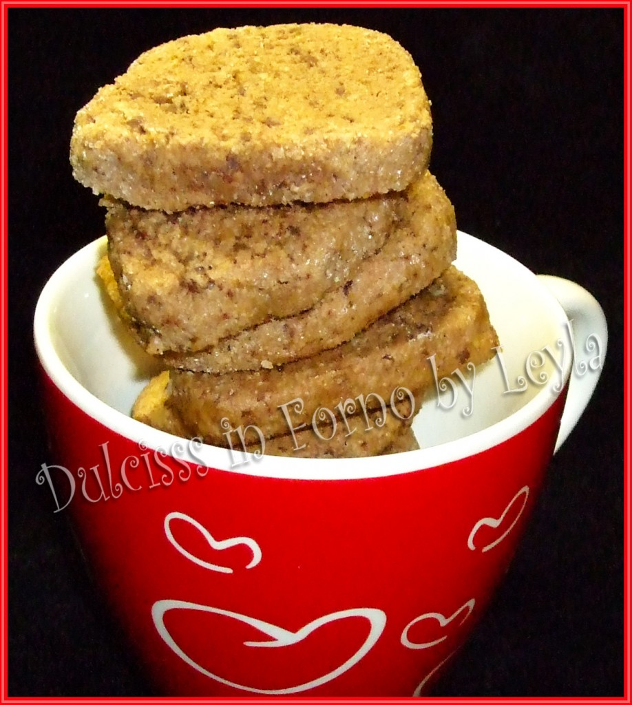 Talleri al cioccolato, mandorle e nocciole, ricetta biscotti di Natale biscotti natalizi pasticceria natalizia Dulcisss in forno