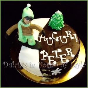 Torta Snowboarder o Snowboardista, decorata in pasta di zucchero PDZ 3D Dulcisss in forno