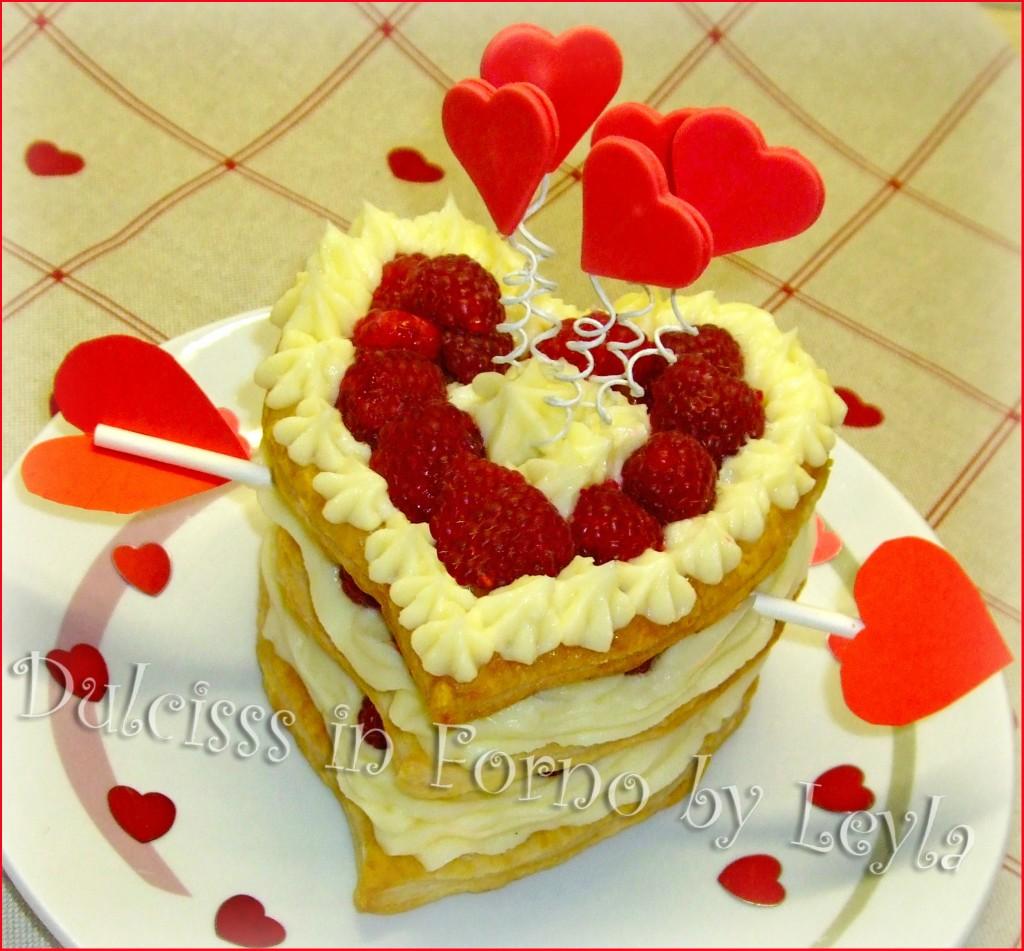 Millefoglie al cioccolato bianco, lamponi e amore, ricetta San Valentino dolce S. Valentino Torta S. Valentino San Valentino amore cuori cuore cupido