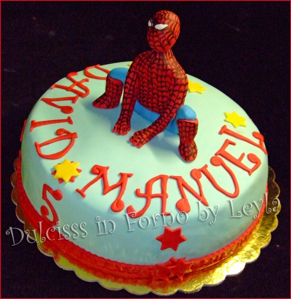 Torta Spiderman 3D, decorata in pasta di zucchero Uomo Ragno 3D Soggetto 3D Cartoon Torta di compleanno Torta per bambini PDZ Dulcisss in forno