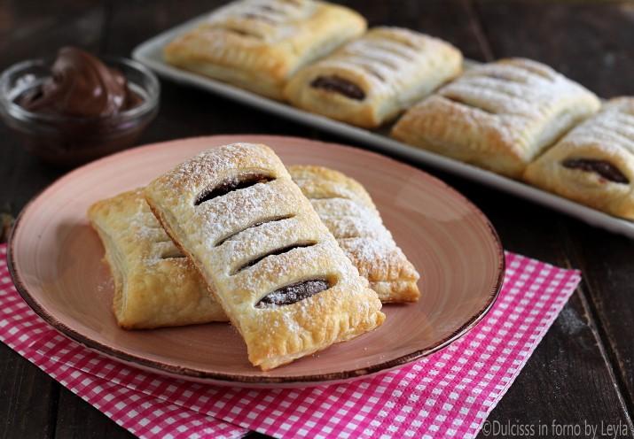 Saccottini di pasta sfoglia e nutella, ricetta semplice e veloce fagottini  alla nutella saccottini alla