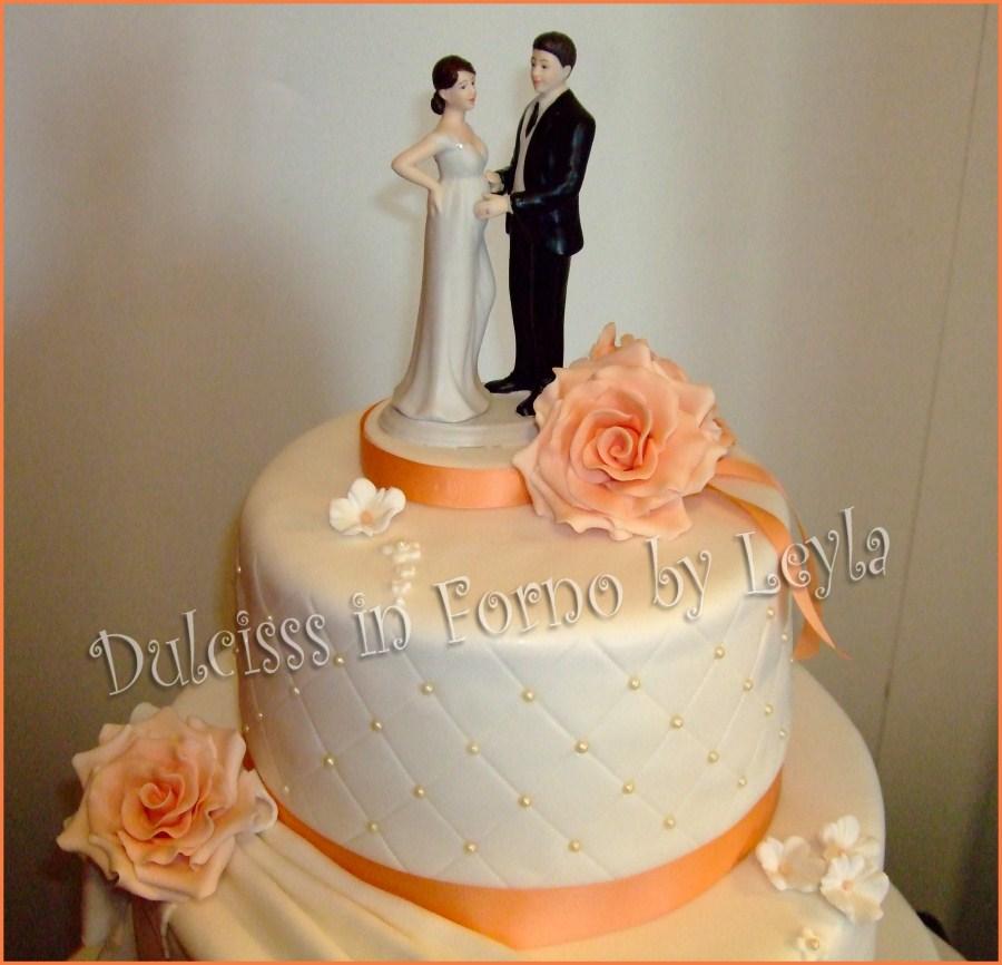 Wedding cake rose e drappeggi pasta di zucchero for Decorazioni torte per 60 anni di matrimonio