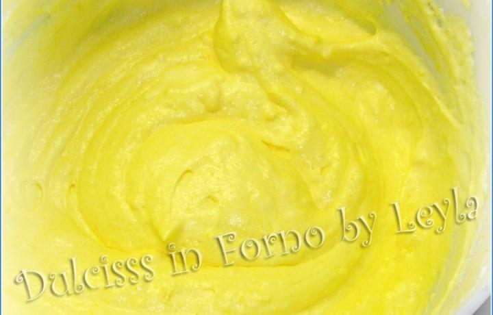 Crema alla vaniglia, ricetta senza cottura, senza farina e senza latte