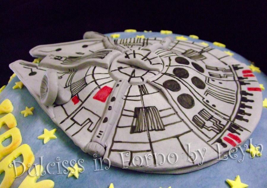 Ben noto Millenium Falcon Cake, la torta di Star Wars JN74