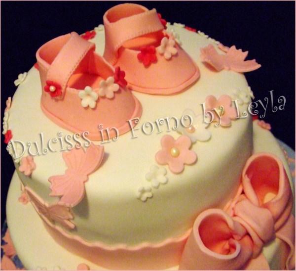 Super Torta battesimo scarpine fiori e farfalle, in pasta di zucchero VF67