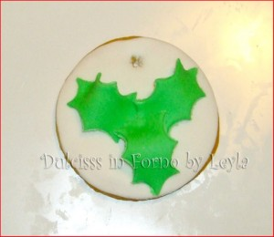 biscotti decorati agrifoglio per natale Dulcisss in forno by Leyla