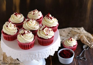 red velvet cupcakes Dulcisss in forno by Leyla